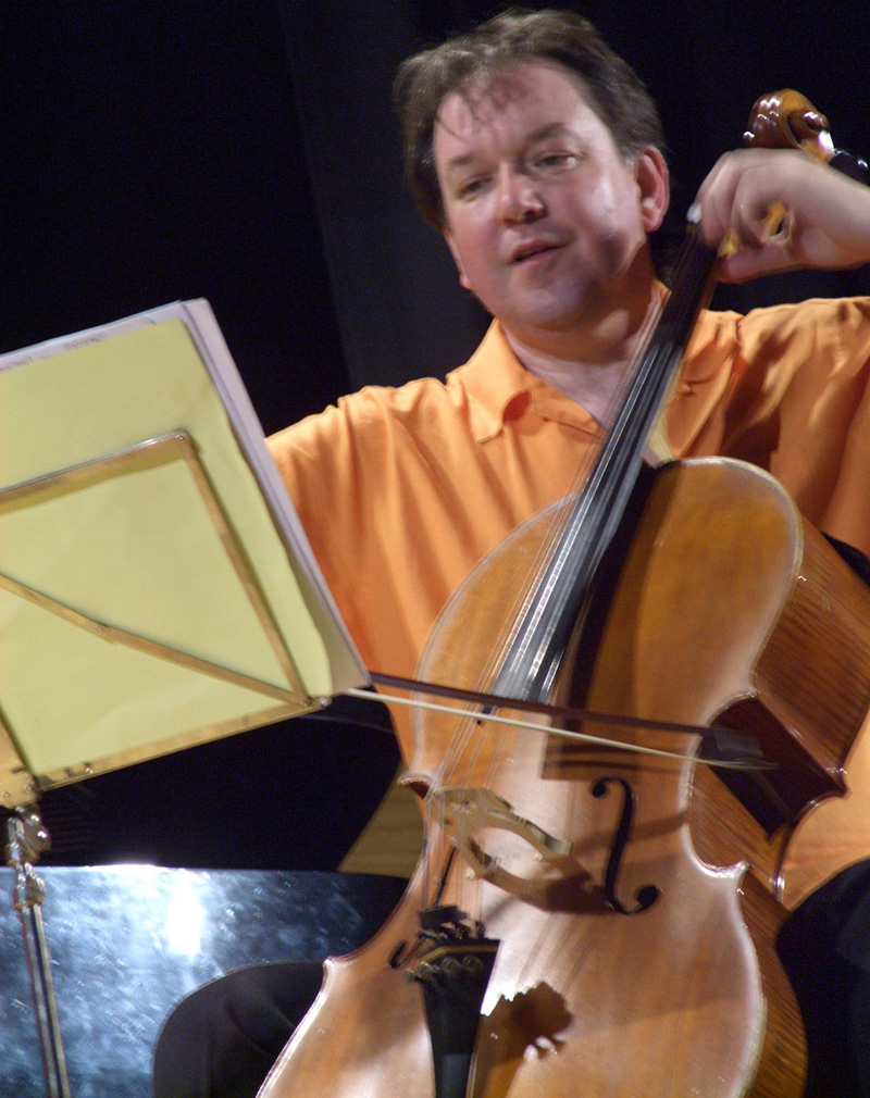 Interpretación del violonchelista David Johnstone